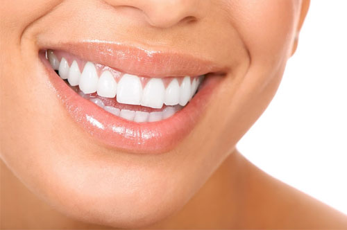Closer Look of Lady's Mouth with Healthy Teeth and Gums | Gum Disease Treatment in Friendly Smiles Center in Mount Laurel, NJ - Dr. Robert Chase