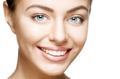 Smiling Beautiful Woman | Gum Reshaping in Friendly Smiles Center in Mount Laurel, NJ - Dr. Robert Chase