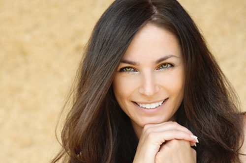 Sweet Woman with Yellow Eyes | Friendly Smiles Center in Mount Laurel, NJ - Dr. Robert Chase